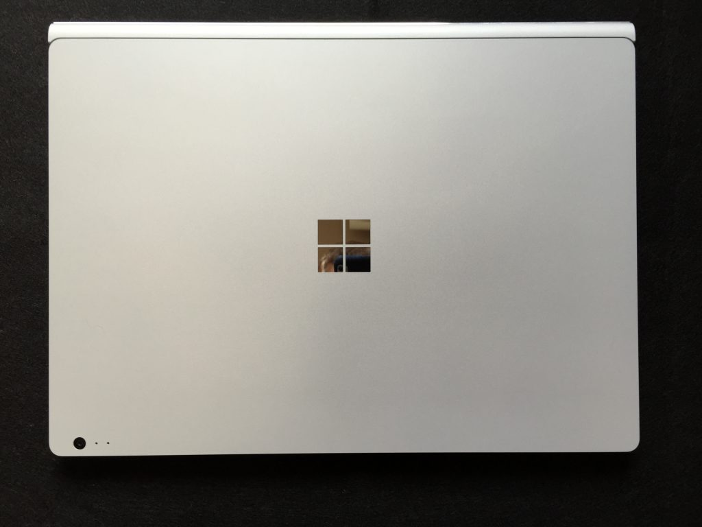 Microsoft  SurfaceBookを7ヶ月使って個人的に良かった点とイマイチな点