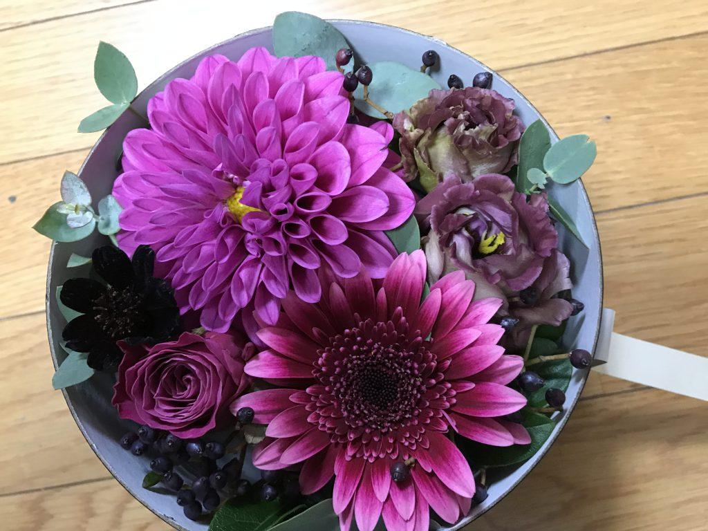 奥さんや彼女に花を贈るとき、ボックスフラワーギフトもいいよ!
